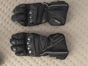 Leather motorcycle gloves Mountain Creek Maroochydore Area Preview