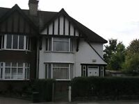 Three bedrooms semi-detached house situated within easy reach of both Golders Green tube station