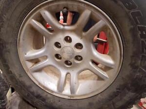 """4 roues Dodge Dakota, Durango de 16"""" 6X114.3mm, centre 72mm, largeur 8.5""""."""