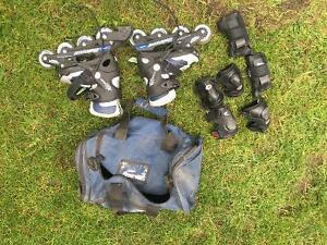 Size 4 kids roller blades with pads
