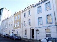 Spacious top floor 1 bedroom flat available. Victorian terraced property, Devonport
