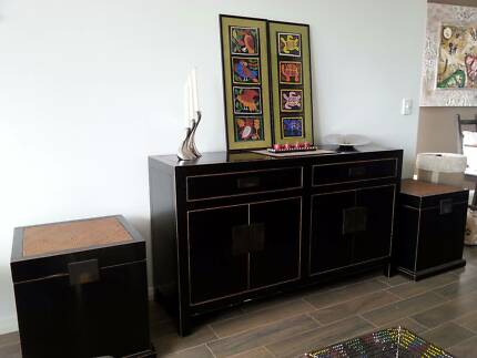 SIDEBOARD BUFFET & 2 x MATCHING SIDE TABLES/TRUNKS