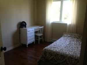 Room for rent in St Anselme very quiet.
