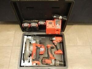 Kit Outils Drill + Clé a impact + scie circulaire + 3 batteries + chargeur MILWAUKEE / Model 18V (i016477)