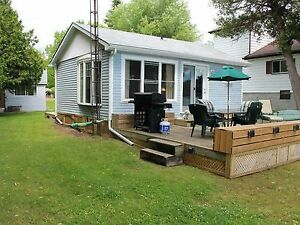 Bluebird WATERFRONT COTTAGE  -  Brighton, Ontario