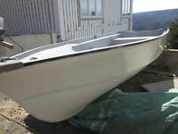 FIBERGLASS DEEP FISHING BOAT, VERY GOOD CONDITION, DOUBLE BOTTOM