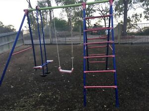Swing set Oak Valley Townsville Surrounds Preview