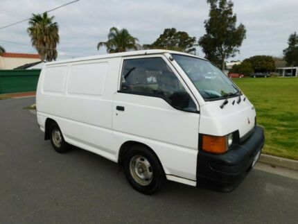 1984 Mitsubishi Express SC L300 White 4 Speed Manual Van