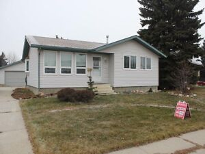 North Edmonton - Dunluce - 3 bedroom house for sale!