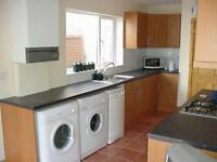 AVAILABLE TO RENT: 4 Bedroom Student House in Cathays, Cardiff