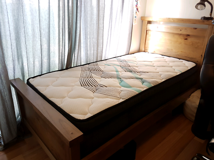Quick sale: king single bed