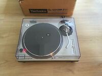 Technics 1200 turntable DJ deck with original box and instructions in top condition