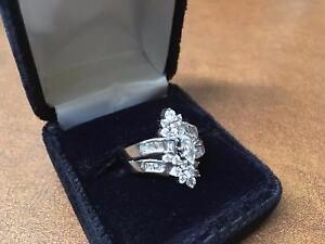 Bague en Or Blanc & Diamants (i018108)