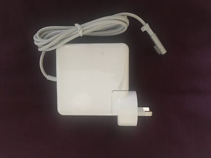 Macbook replacement charger 60W. For computers 2012 or older.