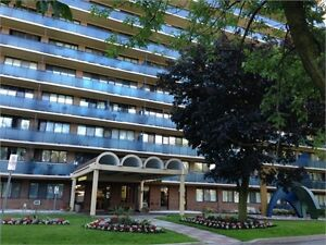 Room for Rent in Luxury 3-Bedroom Apt on Lake in Scarborough