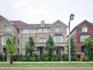 Exclusive private  townhouse home house for sale Markham Bur Oak