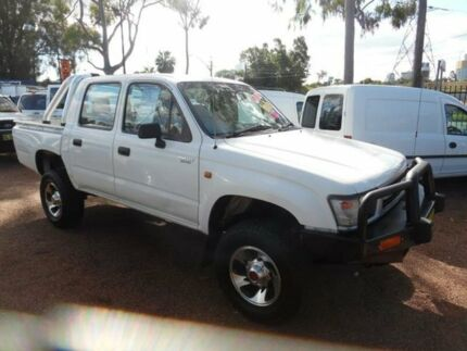 2001 Toyota Hilux KZN165R (4x4) White 5 Speed Manual 4x4 Dual Cab Pick-up