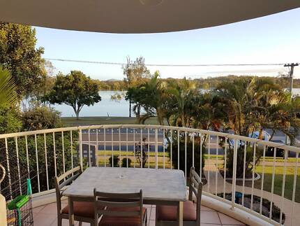 Single Bedroom available in a Water Front 3 bedroom apartment