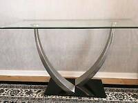 Glasswells modern glass top table and chairs