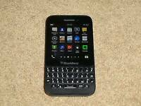 Blackberry Q5 / 8gb memory /unlocked to any network/ for sale or swaps