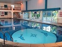 2 bed hol chalet cornwall/devon Bude autumn break sept/oct set in manor house grounds allows dogs