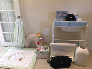 Baby Bath, Monitor, Quilt set, diaper bin and more Riverton Canning Area Preview