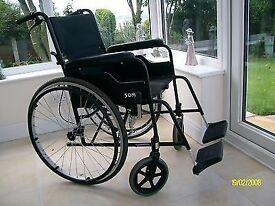 Self propelled light wheelchair