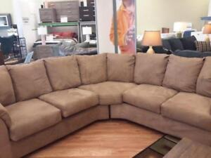 *** USED *** ASHLEY DARCY MOCHA SECTIONAL   S/N:51211117   #STORE943