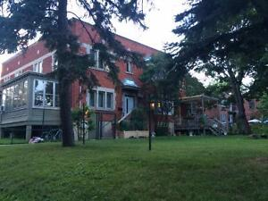 Magnificent NDG House near Monkland Village and Loyola Campus