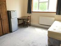 In Owners House 2 Double Rooms Share Kitchen 2 Shower WC Includes Bills VeryNear Tube Rail Bus Shops