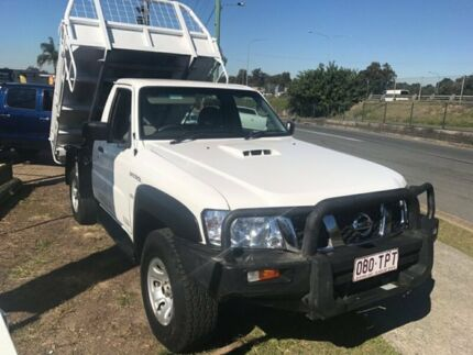 2014 Nissan Patrol MY11 Upgrade ST (4x4) White 5 Speed Manual