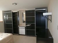 Spacious and modern one bedroom furnished apartment to rent, just 1 mile from Leeds City Centre.