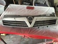 Part Scratched and Broken Astra H Mark 5 Grill