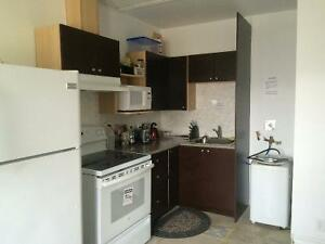 Great deal for a room at Dundas West/Bloor for $595