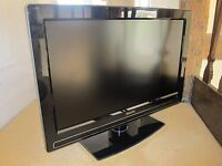 """Philips 32"""" LCD HD Ready with built in freeview / 3 HDMI'S / COMES WITH REMOTE/ FOR SALE OR SWAPS"""