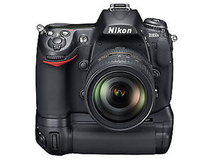 Nikon d300s body with Battery Grip and 2 batteries