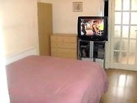 NICE 1 bed flat w/ GARDEN - 3 minute walk to a Central Line tube station working 24h on weekends