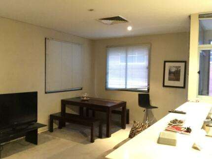 Full flat in the heart of the CBD, perfect for couples or friends