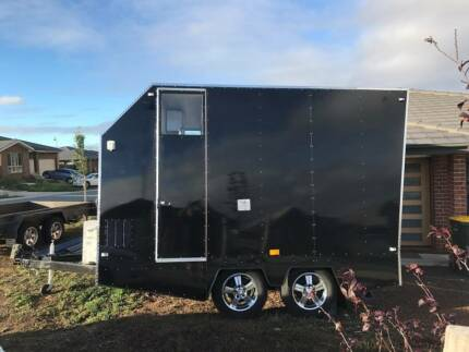 Custom closed in Trailer registered option to RENT to BUY