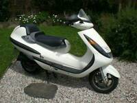 125cc hyosung hyper **bargain** not many left around, 550 price reduce!
