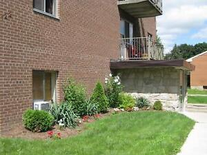 1BR Sandstone Apartments Elora- available
