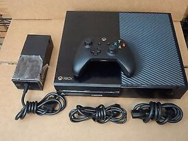 Xbox One Black (500gb) 1 controller