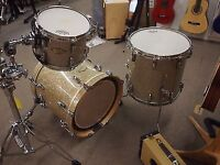 """Pearl masters 18"""" set up"""