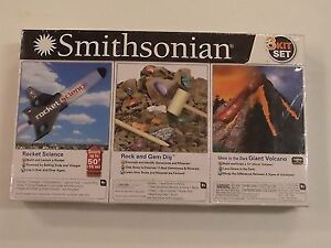Smithsonian 3 Kit Set & Playmobil Top Agents Headquarters