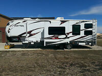 2012 keyston raptor toy hauler 300mp NEW PRICE