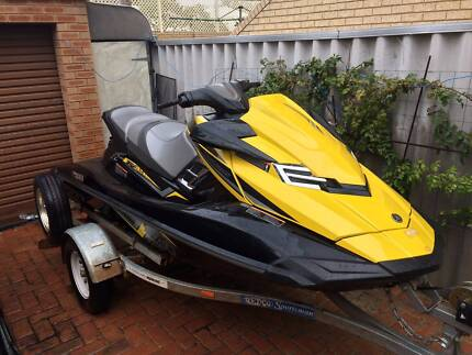 2015 YAMAHA WAVERUNNER FX SVHO JETSKI AND TRAILER $14,500