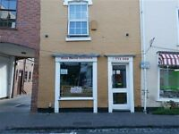 TAKEAWAY LEASE FOR SALE IN DROITWICH ON THE MAIN HIGH STREET