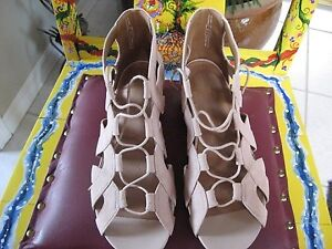 WOMENS SHOES - CLARKS 'Parram Lux' LIKE NEW (w/box)