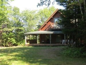 Beautiful secluded Log Home & Guest Cottage, 11ac in Nova Scotia