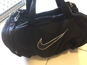 Nike sport bag Oonoonba Townsville City Preview